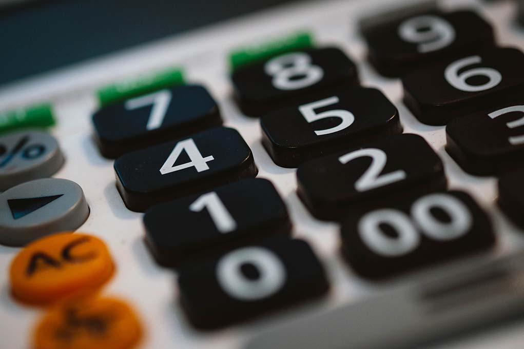 calculator-financial-planning